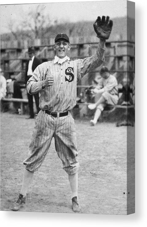 People Canvas Print featuring the photograph Buck Weaver Is Ready To Catch A Ball by Apa