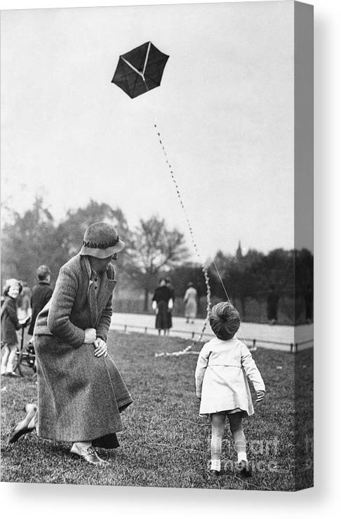 Toddler Canvas Print featuring the photograph Grandmother With Toddler Girl 2-3 by Bettmann