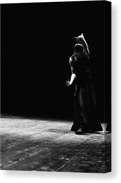 Ballet Dancer Canvas Print featuring the photograph Modern Flamenco by T-immagini