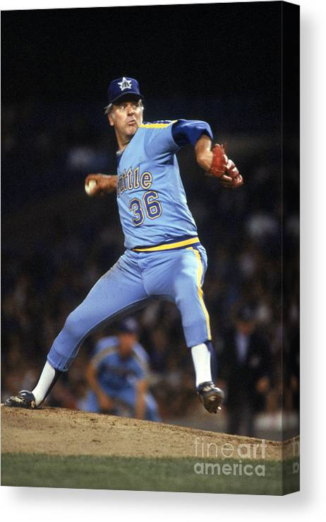 1980-1989 Canvas Print featuring the photograph Gaylord Perry by Rich Pilling
