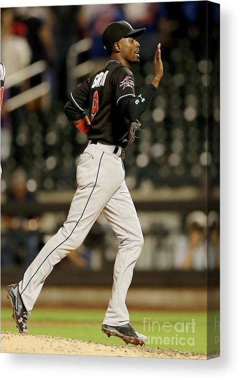 People Canvas Print featuring the photograph Dee Gordon by Elsa