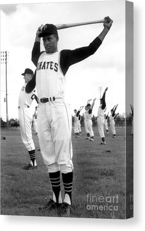 1950-1959 Canvas Print featuring the photograph Roberto Clemente by National Baseball Hall Of Fame Library