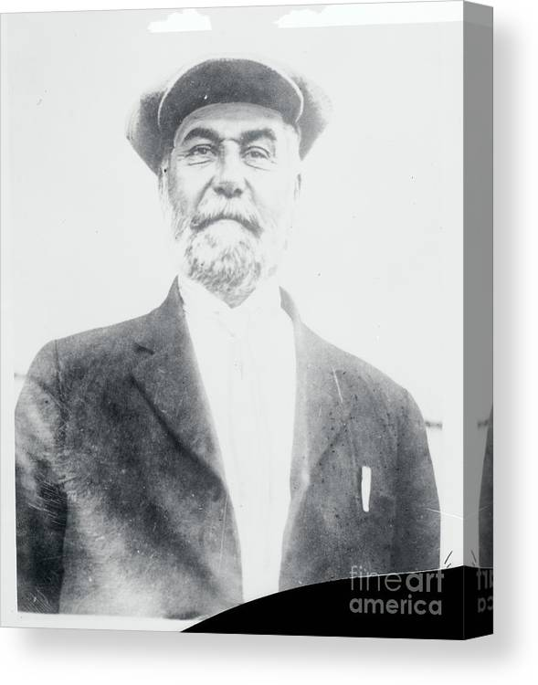 Drowning Canvas Print featuring the photograph Cult Leader Peter Verebrin by Bettmann
