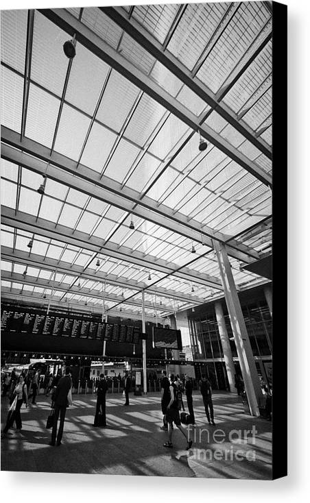 London Canvas Print featuring the photograph London Bridge Station Southwark England Uk by Joe Fox