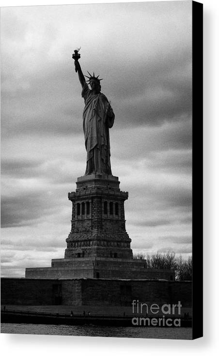 Usa Canvas Print featuring the photograph Statue Of Liberty New York City by Joe Fox
