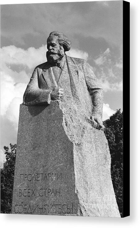 Karl Marx Canvas Print featuring the photograph Marx by Susan Chandler