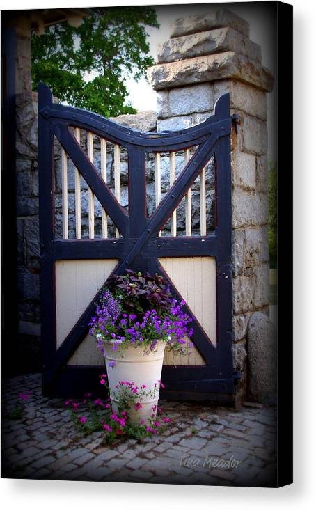 Maymont Canvas Print featuring the photograph Maymont Gate by Tina Meador
