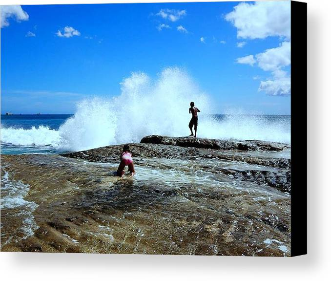 Splashy Waves Canvas Print featuring the photograph Captured The Moment by Imelda Sausal-Villarmino