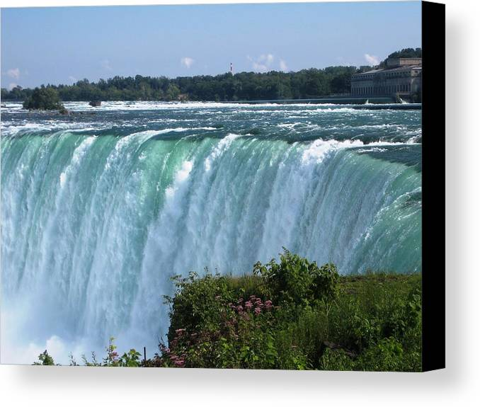 Landscape Canvas Print featuring the photograph Fall by Dervent Wiltshire