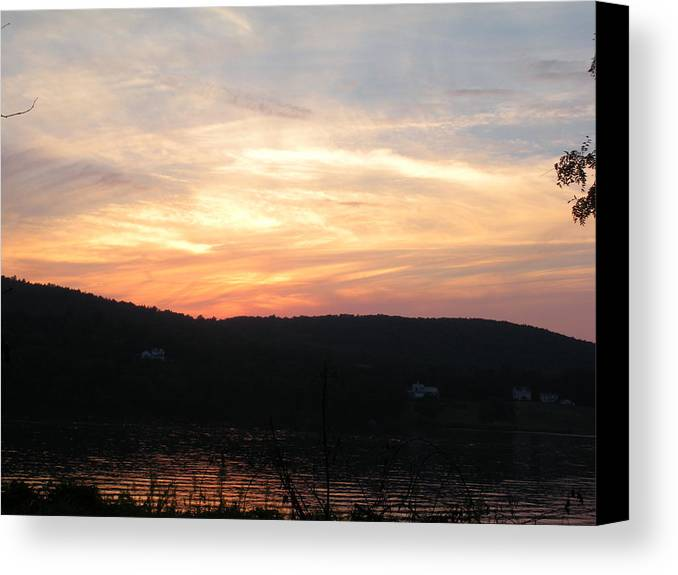 Sunset Canvas Print featuring the photograph Sunset On The Hudson River by Danielle Rogers
