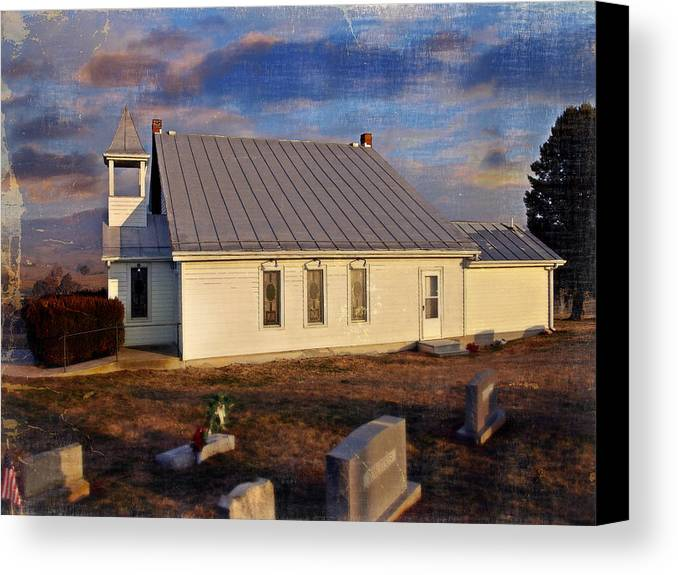 Mcelwee Chapel Canvas Print featuring the photograph An Evening At Mcelwee Chapel by Kathy Jennings