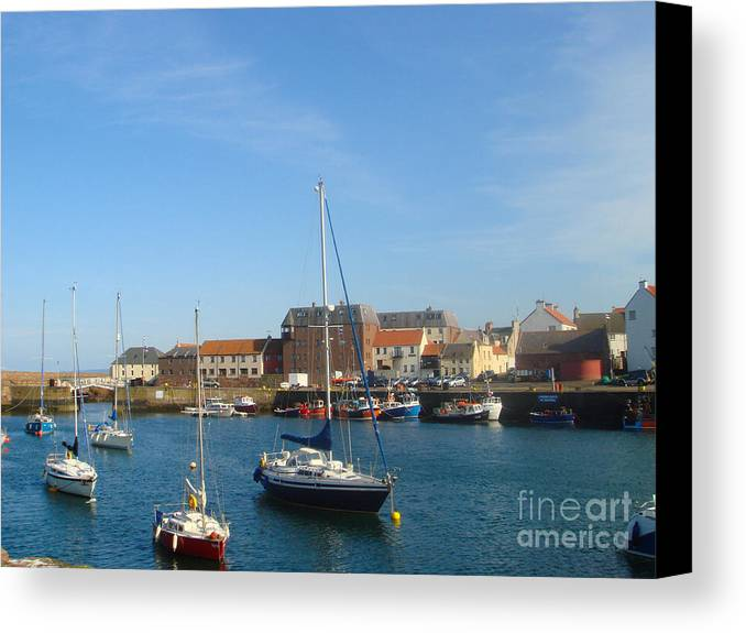Dunbar Harbour Canvas Print featuring the photograph Dunbar Harbour by Yvonne Johnstone