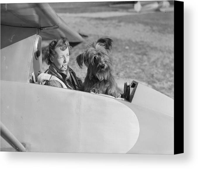 Mid Adult Canvas Print featuring the photograph Glider Mascot by Reg Speller