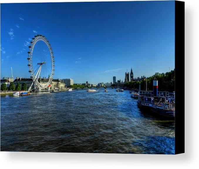 River Thames Canvas Print featuring the photograph London 095 by Lance Vaughn