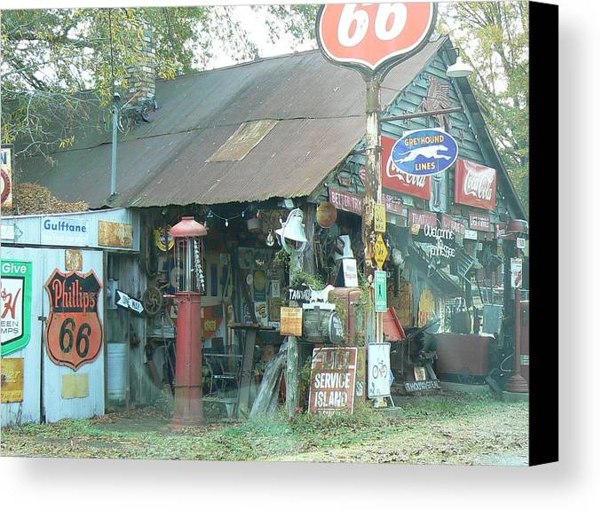 Americana Canvas Print featuring the photograph Roadside Tennessee 2 by Ron Hayes