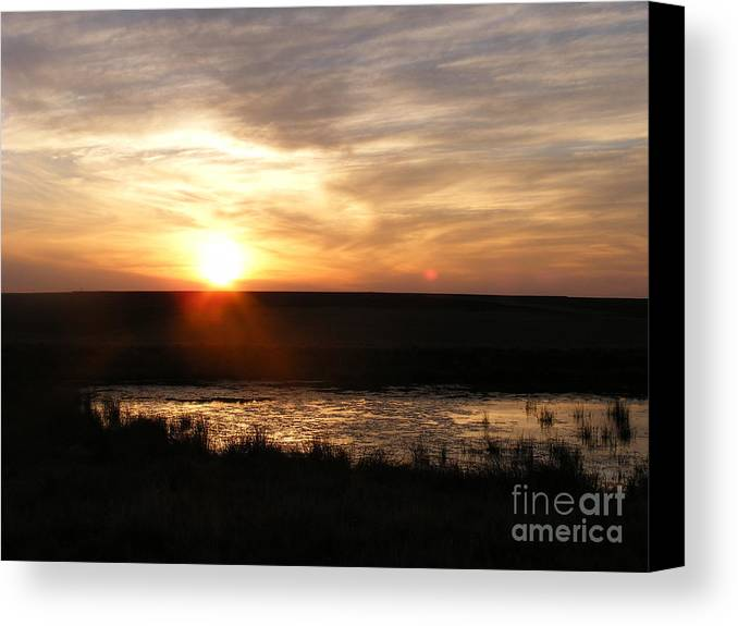 Sunset Canvas Print featuring the photograph Sunset And Water by Helena Marais