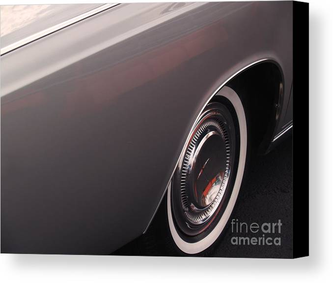 Lincoln Canvas Print featuring the photograph 1968 Vintage Lincoln Sedan Fender by Anna Lisa Yoder