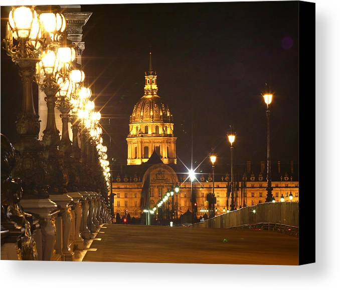Pont Alexandre Iii Canvas Print featuring the photograph Alexandre IIi by Hans Jankowski