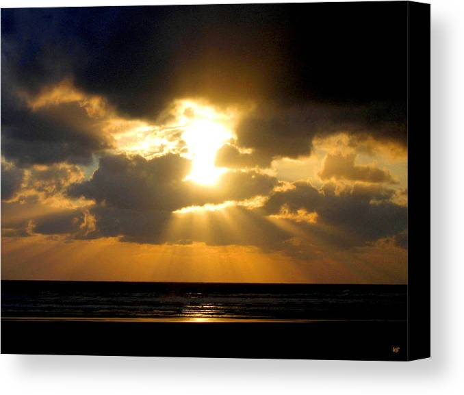 Sunset Canvas Print featuring the photograph An Inspiring Evening by Will Borden