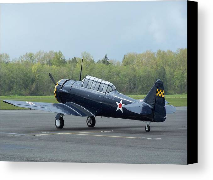 At-6 Canvas Print featuring the photograph At-6 Texan by Gene Ritchhart