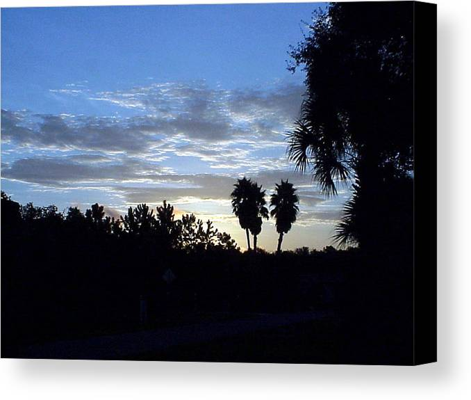 Sunrise-sunset Photograph Canvas Print featuring the photograph Daybreak In Florida by Frederic Kohli