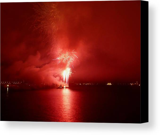 Fireworks Canvas Print featuring the photograph Fireworks 17 by Kendall Eutemey