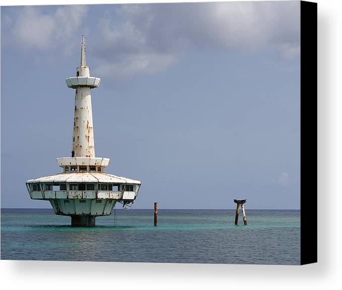 Richard Reeve Canvas Print featuring the photograph Nassau - Coral World Redux by Richard Reeve