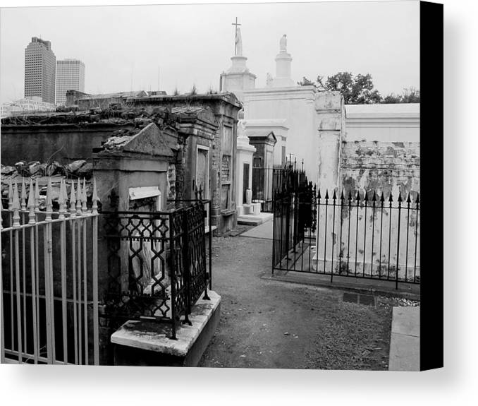 New Orleans Canvas Print featuring the photograph Old And New by Linda Kish