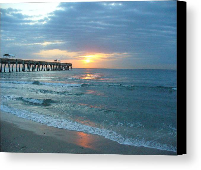 Water Canvas Print featuring the photograph Perfect Peace At 6 A.m. by Peggy King