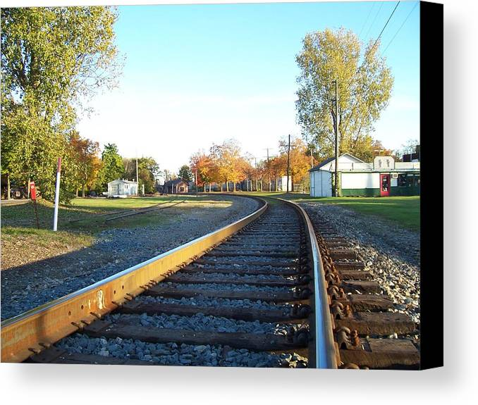 Canvas Print featuring the photograph Railroad S-curve by Stacey Highfield