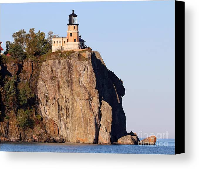 Split Rock Lighthouse Canvas Print featuring the photograph Split Rock Lighthouse Crop 9321 by Jack Schultz