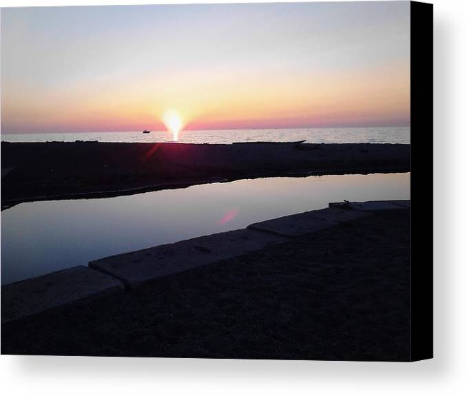 Sunset Canvas Print featuring the photograph Lake Erie Sunset by John Parry