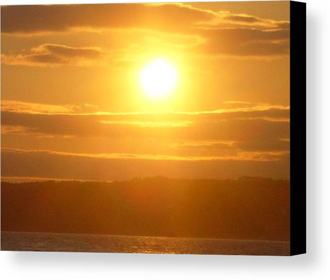 Sunet Canvas Print featuring the photograph Sunset On The Horizon 5 by Sharon Stacey
