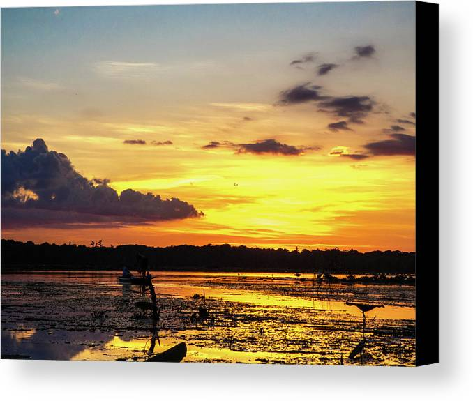 Orcinus Fotograffy Canvas Print featuring the photograph Drawin The Fish At Last Light by Kimo Fernandez