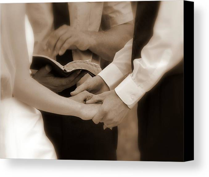 Cindy Canvas Print featuring the photograph The Joining Of Hands by Cindy Wright