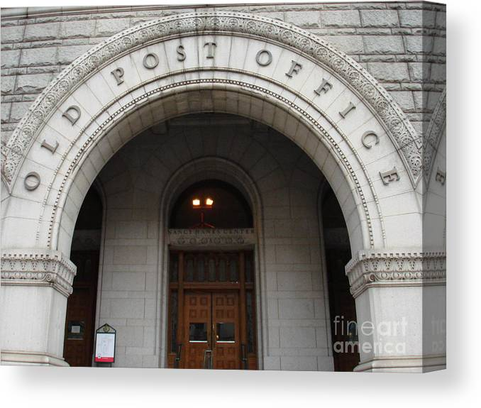 Landscape Canvas Print featuring the photograph Old Post Office In D.c. by Aimee Vance