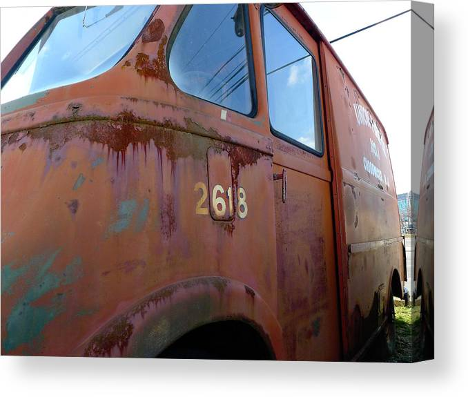 International Canvas Print featuring the photograph Van 2618 by Richard Reeve