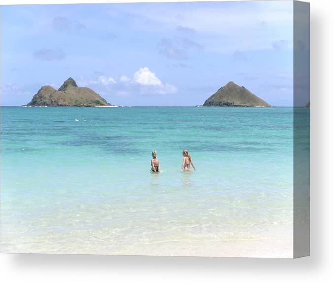 Elaine Haakenson Canvas Print featuring the photograph Lanikai Beach Of Oahu by Elaine Haakenson