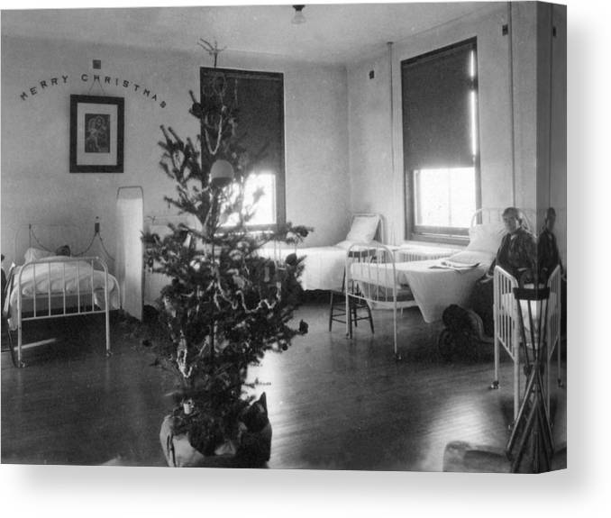Christmas Canvas Print featuring the photograph Christmas Tree In Hospital Ward 1923 Black White by Mark Goebel
