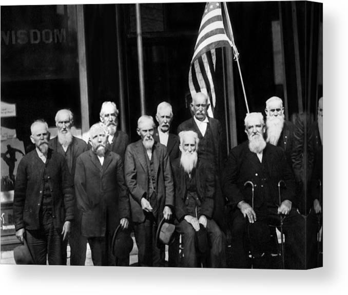 Civil Canvas Print featuring the photograph Civil War Veterans October 8 1923 Black White by Mark Goebel
