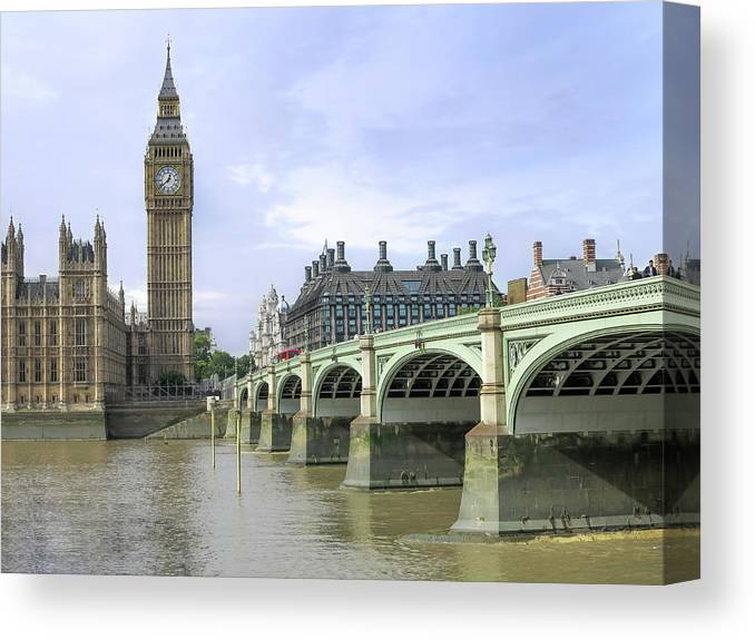 London Canvas Print featuring the photograph Classic London by Zen Williston