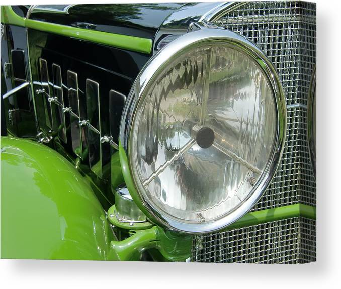 Vintage Cars Canvas Print featuring the photograph Shine The Way by Richard Mansfield