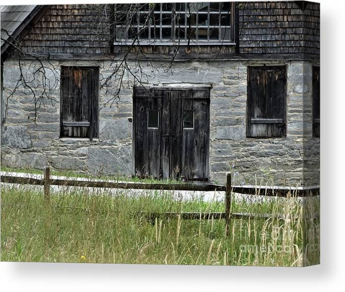 Stone Building Hubbardton Vermont Canvas Print featuring the photograph Welcome To Yesteryear by Karen Velsor