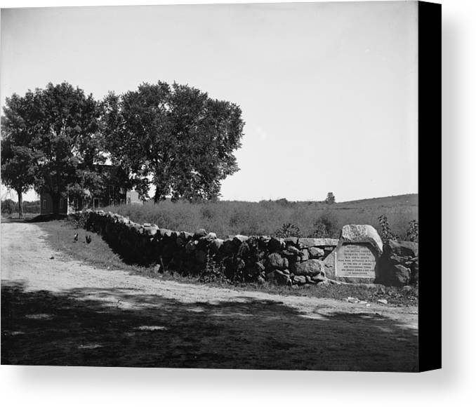 1775 Canvas Print featuring the photograph Concord: Meriams Corner by Granger