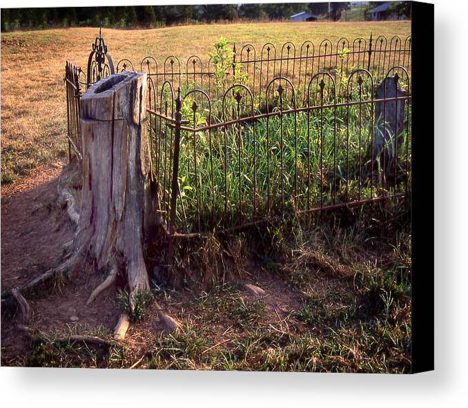 Canvas Print featuring the photograph Hogeye Grave Site by Curtis J Neeley Jr