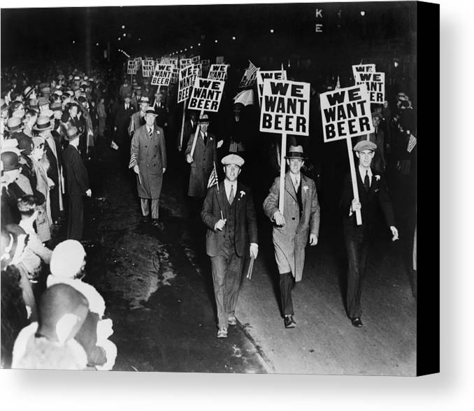 Historical Canvas Print featuring the photograph Labor Union Members Protesting by Everett