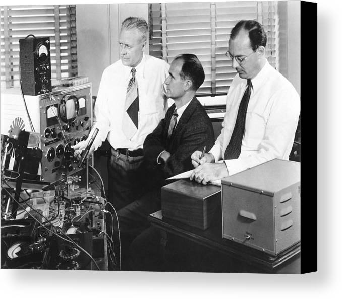 People Canvas Print featuring the photograph Physicists Brattain, Bardeen And by Science Photo Library