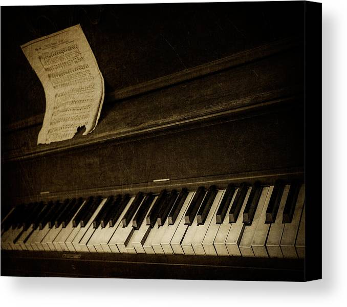 Piano Canvas Print featuring the photograph Haunted Melody by Amy Weiss