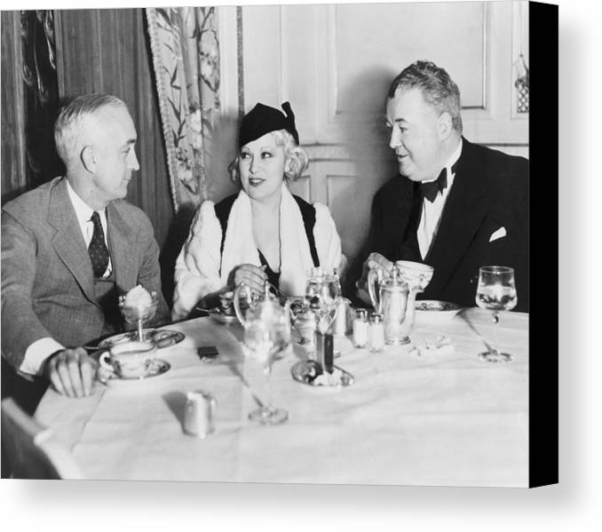 History Canvas Print featuring the photograph Mae West Dining At The Victor Hugo Caf� by Everett