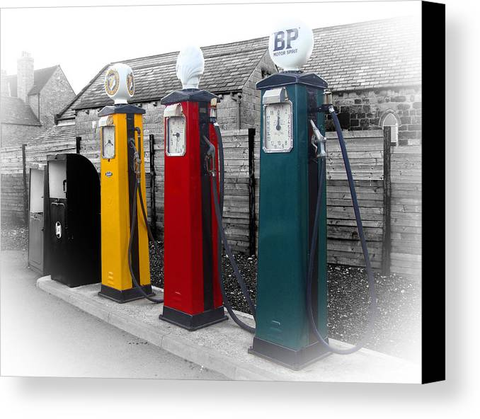 Petrol Station Canvas Print featuring the photograph Petrol Station by Roberto Alamino
